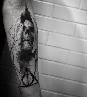 lcjuniortattoo-deathly-hallows-skull-tattoo