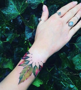 leaf-autumn-tattoo