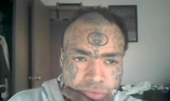 Assymetric face tatto