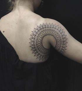 mandala-style-shoulder-tattoo