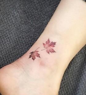 maple-leaft-autumn-tattoo