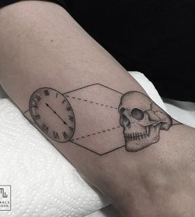 marla_moon-dotwork-skull-tattoo