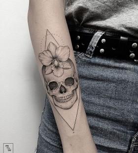 marla_moon-flower-skull-tattoo