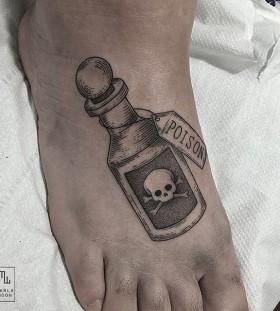marla_moon-poison-skull-tattoo