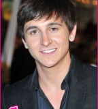 Mitchel Musso Wants To Hang Out With Bella Thorne