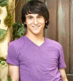 On The Teen Beat Mitchel Musso Talks Pair Of Kings Miley Cyrus