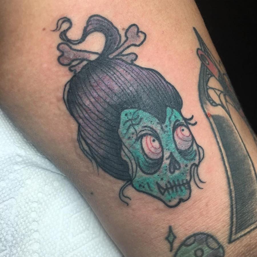 neotraditional-halloween-tattoo-by-xmamawolf