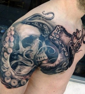 octopus on man shoulder tattoo