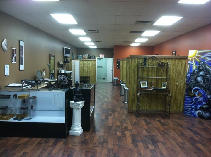 New Tattoo And Body Piercing Shop On Glenway