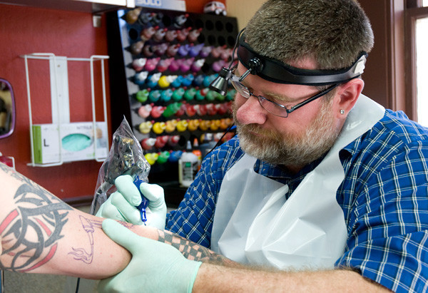Tattoo Piercing Shops To Face New Regulations Pleasant Hill Ca