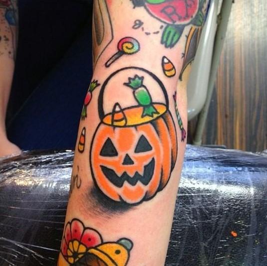 pumpkin-trick-or-treat-halloween-tattoo