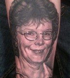 Cool Portrait Of Memorials Mom Tattoos