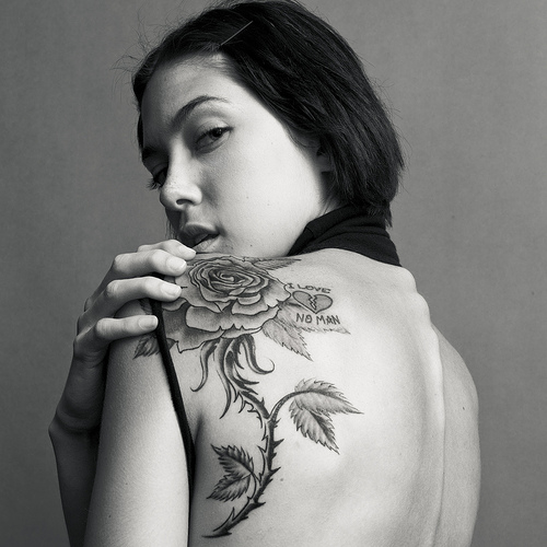 Beauty Lady with Exotic Rose Flower Tattoos on Back Shoulder – Tattoos for Women