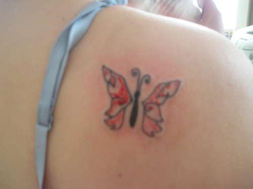 Tiny Butterfly Tattoo Designs on Shoulder for Women
