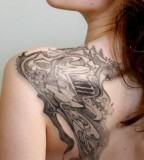 Awesome Shoulder Tattoo Design Idea for Women - Tattoos for Women