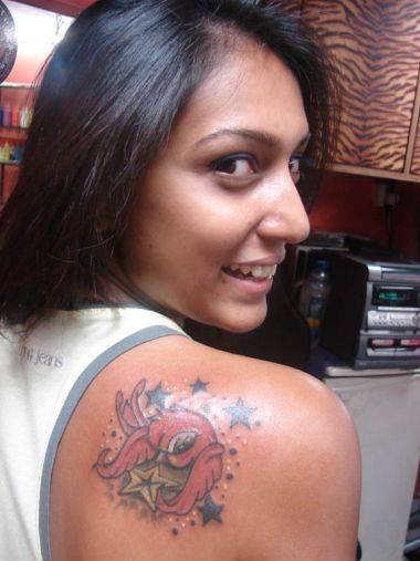 Modern Birds and Stars Shoulder Tattoo Designs For Women