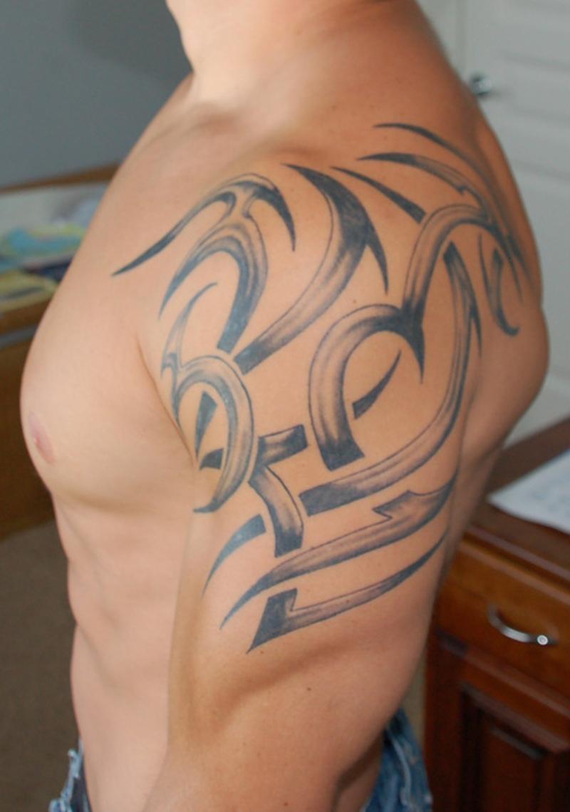 Tribal Shoulder Tattoo Art for Men