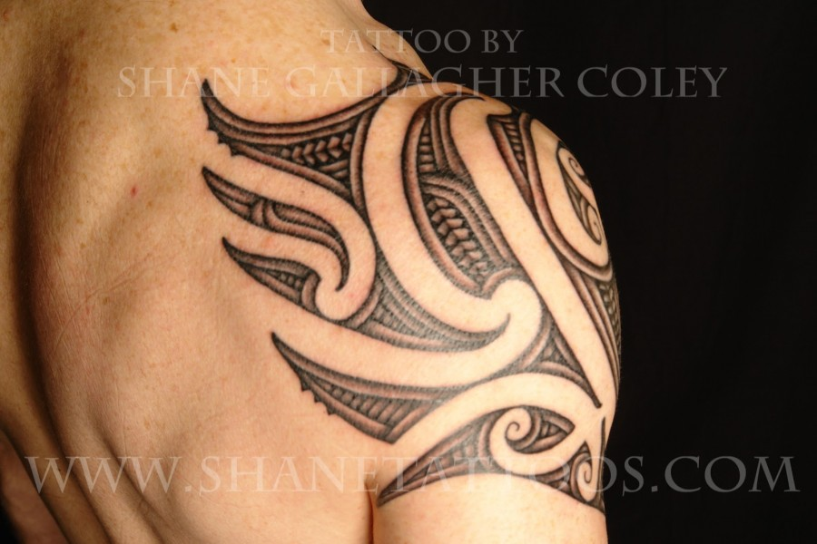 Traditional Maori Shoulder Tattoo