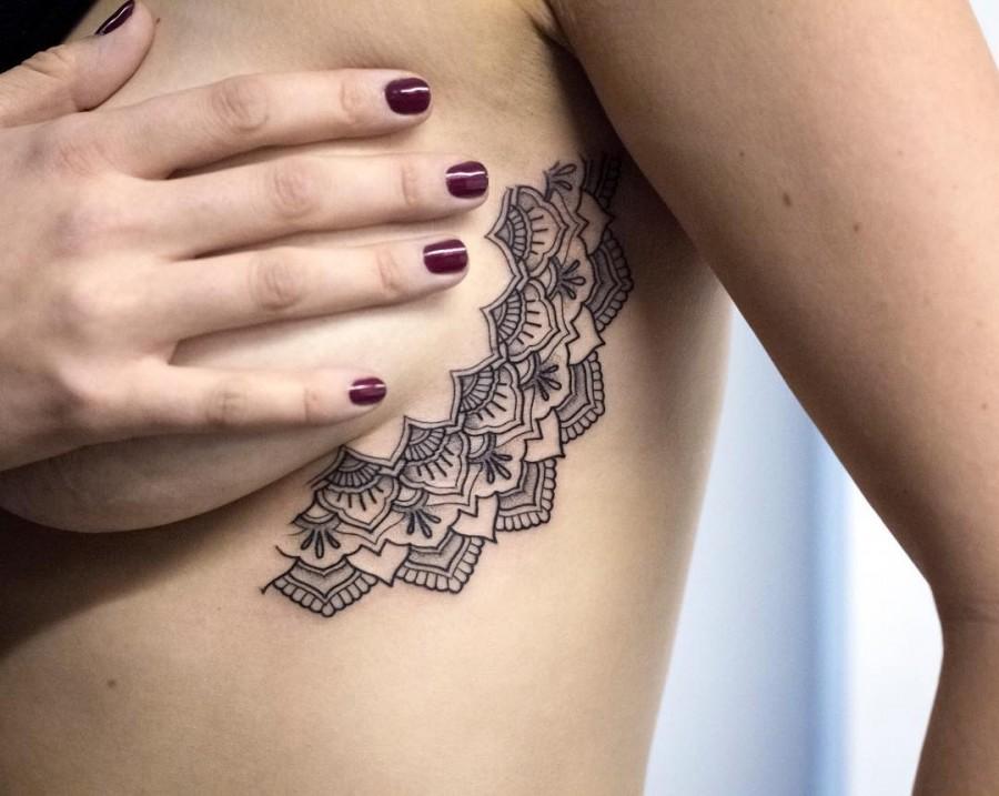 sideboob-half-mandala-tattoo-by-kristiwallsnyc