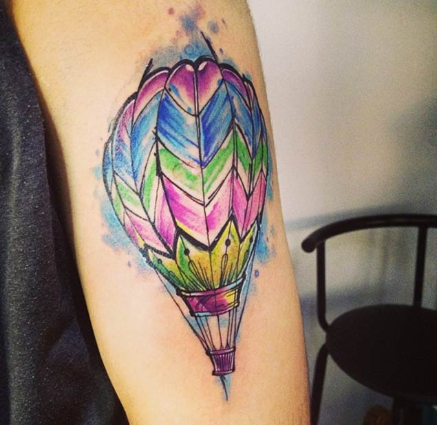 skecth-style-hot-air-balloon-tattoo-by-adrian-bascur