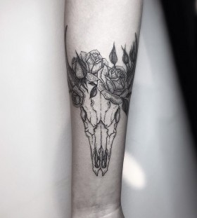 skull-tattoo-by-silwou