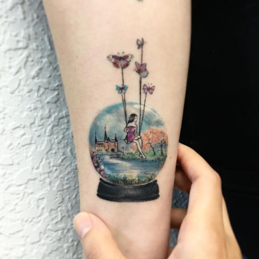 snowglobe-circle-tattoo