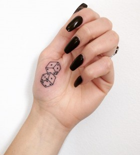 stick-and-poke-dice-tattoo-by-taticompton