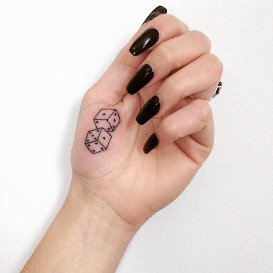 stick-and-poke-dice-tattoo-by-taticompton