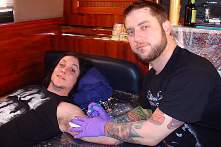 Synyster Gatess Making New Tattoo