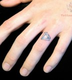 Finger Ring Diamond Tattoo Design Picture
