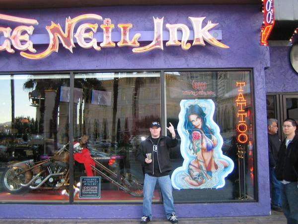 Vince Neil Tattoo Shop Las Vegas Christmas 2007 Photos From Damian ...