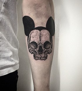 thomasbatestattoo-mickey-mouse-skull-tattoo