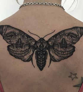 thomasbatestattoo-moth-skull-tattoo