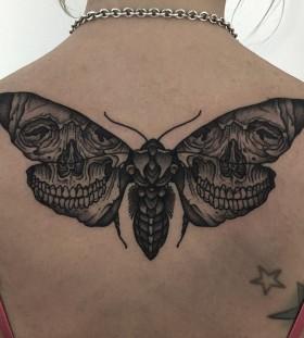 thomasbatestattoo-moth-skull-tattoo