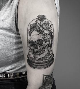 thomasbatestattoo-skull-in-a-jar-skull-tattoo