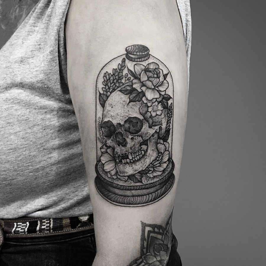 thomasbatestattoo-skull-in-a-jar-skull-tattoo