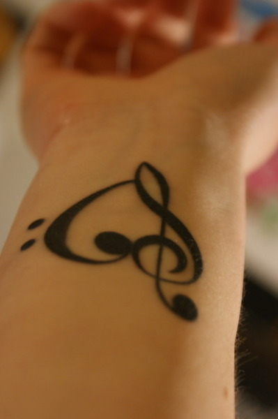 Chic Heart Treble Clef Tattoos for Men and Women